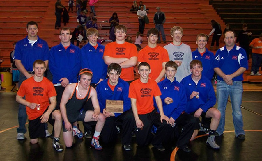 Gordon-Rushville came in lst at the Ogalala Tournament. Pictured Back row: Coach LinHolm, Ken Graham, Shane Child, Brice Stangle, Casey Glassgow, Tyrell Denton, J. J. Hilliker, Coach House. Front Row: Micah Scherbarth, Cole Witt, Tristan Tuma, Garrett Shadbolt, Logan Belsky,Taylor Hood.