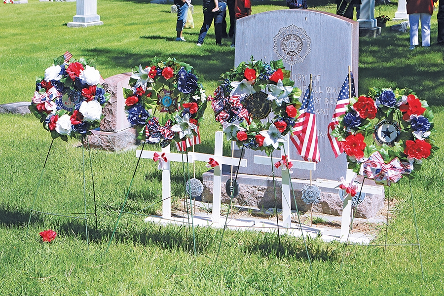 Memorial Day Services remember fallen soldiers