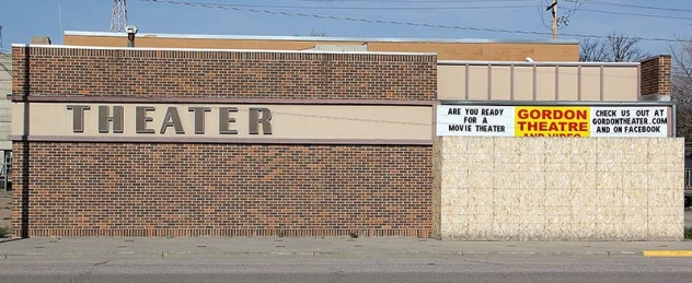 Donations are now being accepted to re-open the movie theater in Gordon, Neb.