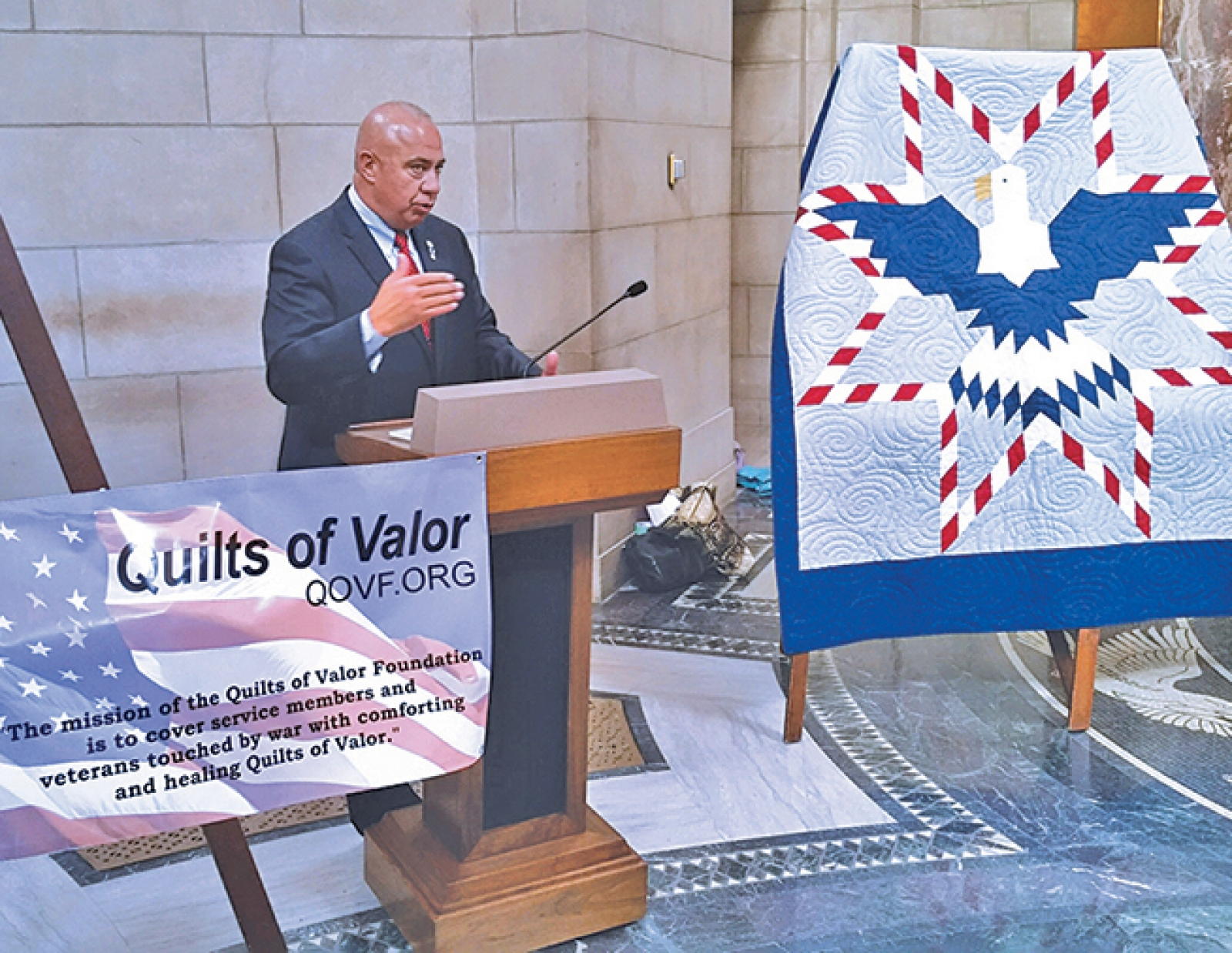 Senator Brewer awarded Quilts of Valor