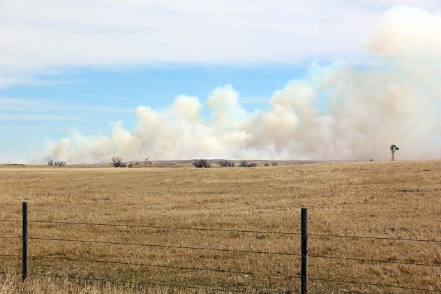 A fire south of Gordon Monday afternoon burned over 1,500 acres before being contained around 5 p.m.