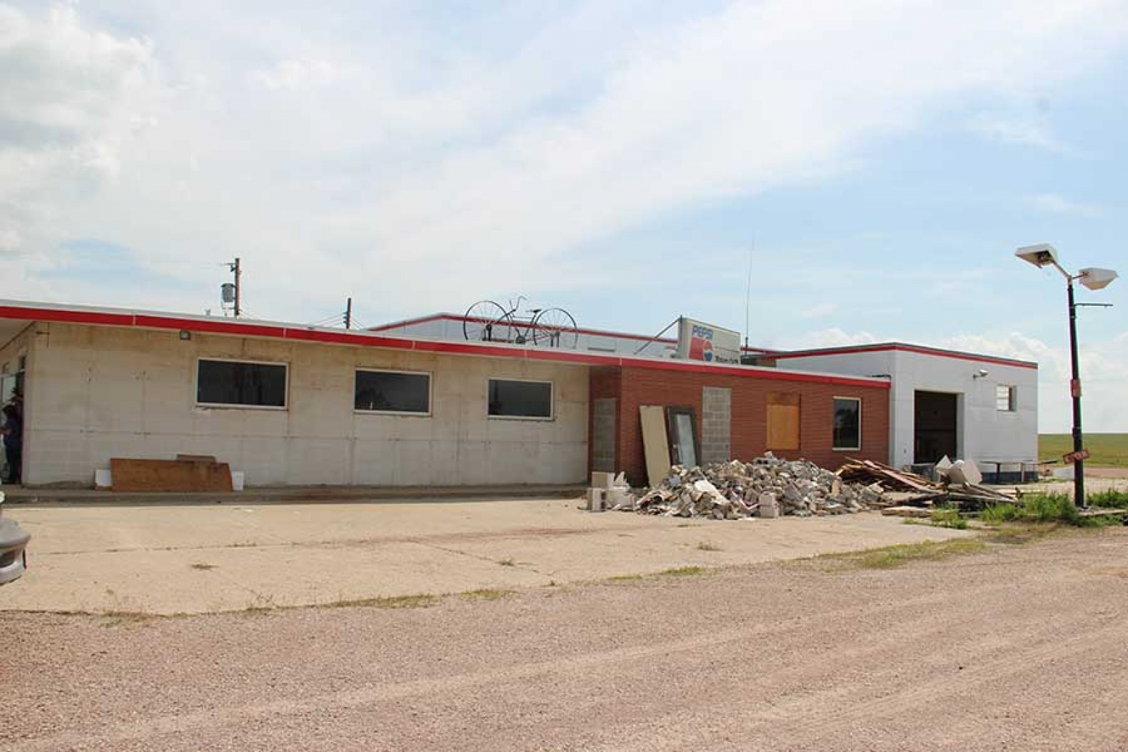 Hugen and Houx invest in old truck stop, look to open Benny's before fair