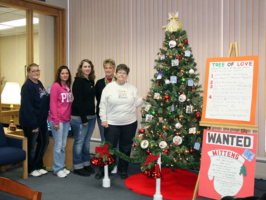 Bank of the West is hosting the Tree of Love/Mitten Tree Project put on by GIVE for Sheridan County, along with Security First Bank in Hay Springs and Rushville. This is a wonderful way to help spread the spirit of Christmas to those in our community. Pictured left-right: Alyssa DeHart, Corinne Gehrig, Jessica Holston, Patty Faulk, and Barbara Van Kerrebrook.